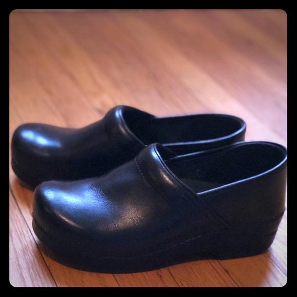 Dansko Shoes | Size 40 Clogs | Poshmark